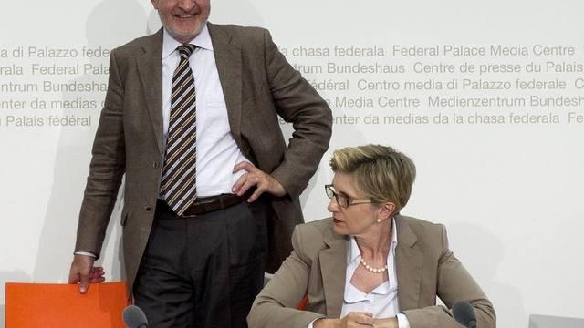 Fulvio Pelli und Gabi Huber ziehen vor den Medien Bilanz über die Legislatur