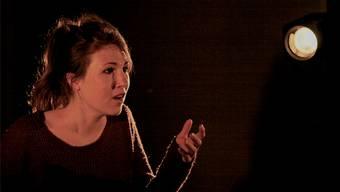Schauspielerin Fabienne Labèr spielt Susej, deren Glauben im Stück auf die Probe gestellt wird. zvg
