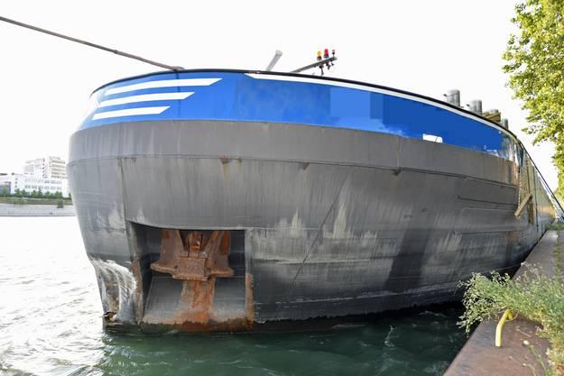 Das demolierte Unfall-Schiff.