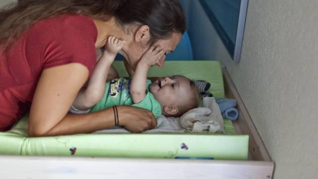 Schweizer Frauen werden immer später erstmals Mutter