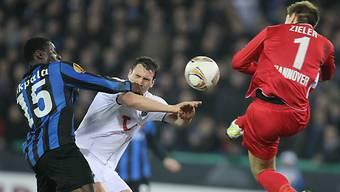 Mario Eggimann qualifizierte sich mit Hannover für die Achtelfinals