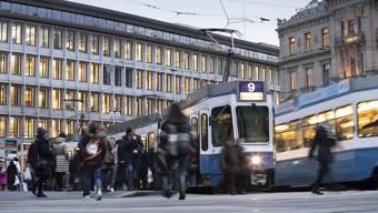 Die Bedürfnisse des öffentlichen Verkehrs stehen in Zukunft bei neuen Bauprojekten definitiv an erster Stelle - vor dem Individualverkehr. (Themenbild)