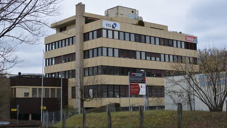 Die CCL Label AG und die Tesa Tape Schweiz AG verlassen die Gemeinde, bleiben aber dem Land treu.