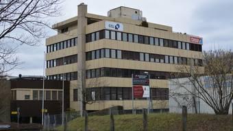 Die CCL Label AG und die Tesa Tape Schweiz AG haben 2017 dieses Gebäude in Bergdietikon verlassen. Nun wurde ein Unternehmen gefunden, das das Gebäude übernimmt.