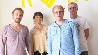 Das Theater Roxy in Birsfelden stellt das neue Team und das Programm vor. V.l.n.r. Nenny Hauser (Technik), Larissa Bizer (Medien), Yves Regenass (Dramaturgie) und Sven Heier (Leitung).