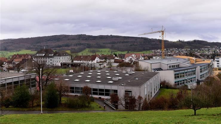 Die Primarschulhäuser Oberdorf und Späri in Hägendorf. Bis März soll geklärt sein, wie es nach der Schulevaluation weitergeht.