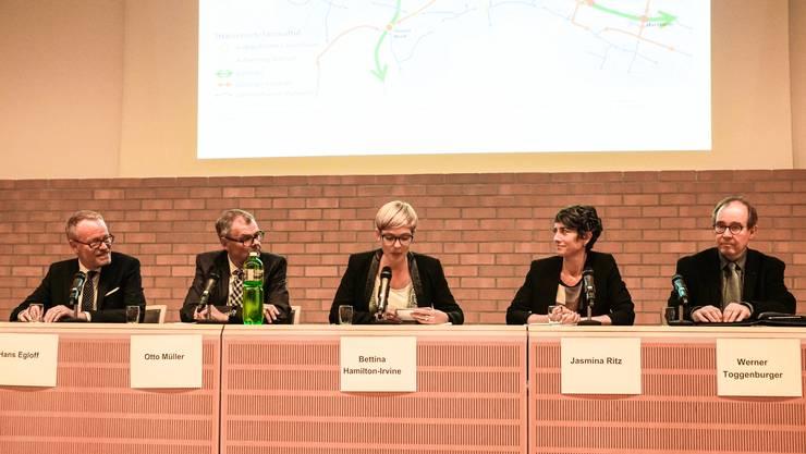 Droht dem Limmattal der Verkehrskollaps? Am Verkehrspodium des HEV diskutierten drei Experten und eine Expertin darüber, wie sich das Mobilitätsverhalten ändern wird.