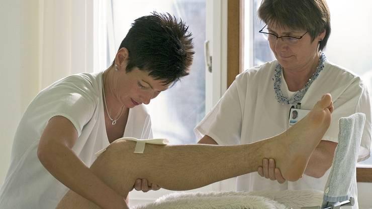 Erfreulich: Die Mehrheit der Pflegefachleute ist mit dem Beruf und dem Arbeitsplatz zufrieden. (zvg)
