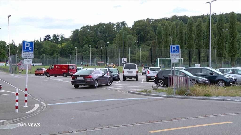 Keine Gratis-Parkplätze mehr: Winterthurer Sporttrainer sollen fürs Parken zahlen