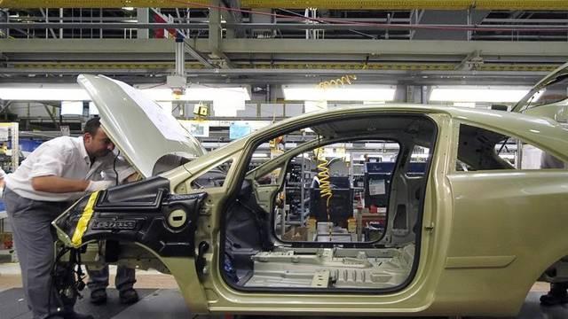 Blick in ein Opel-Werk: Auch Opel verliert bei Verkäufen (Symbolbild)