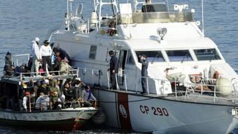 Die EU will die Grenz- und Küstenwache Frontex stark vergrössern. Dies hat auch Folgen für die Schweiz: Sie soll künftig bis zu 75 Millionen Franken im Jahr an Frontex zahlen.