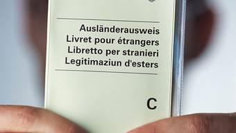 Der Eritreer hat die Niederlassungsbewilligung erhalten. (Symbolbild)