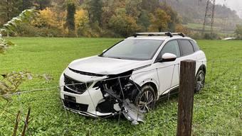 Aus noch unklaren Gründen verlor der 77-jährige Autolenker die Herrschaft über sein Fahrzeug.
