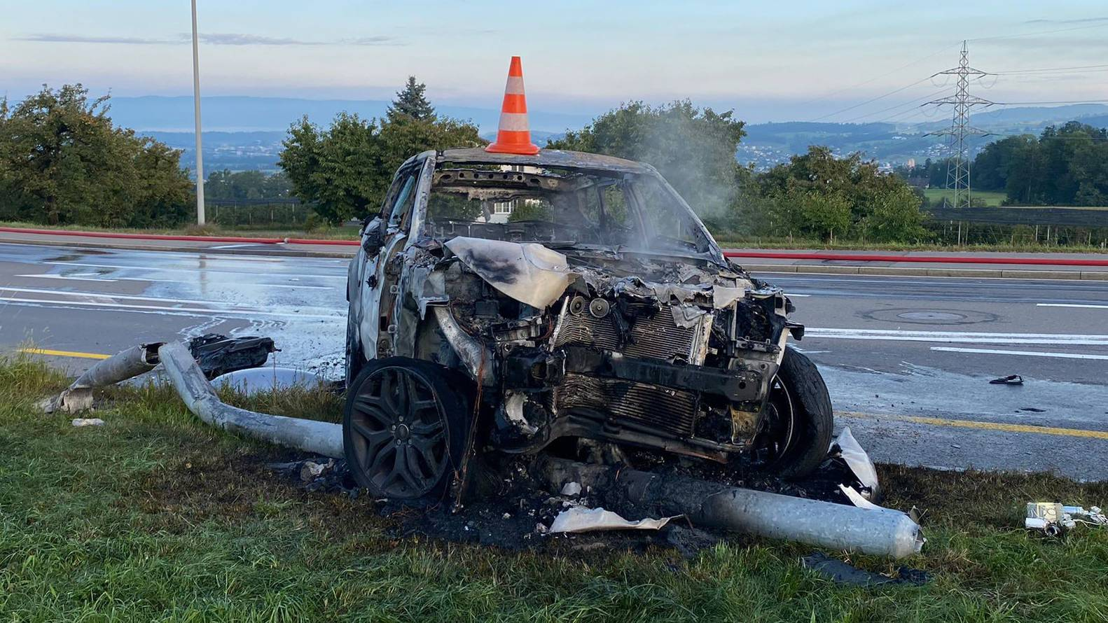 Am Auto ist ein Sachschaden von 50'000 Franken entstanden