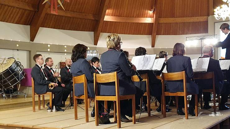 Der Musikverein Konkordia mit dem neuen Dirigenten Kevin Kläntschi in Aktion