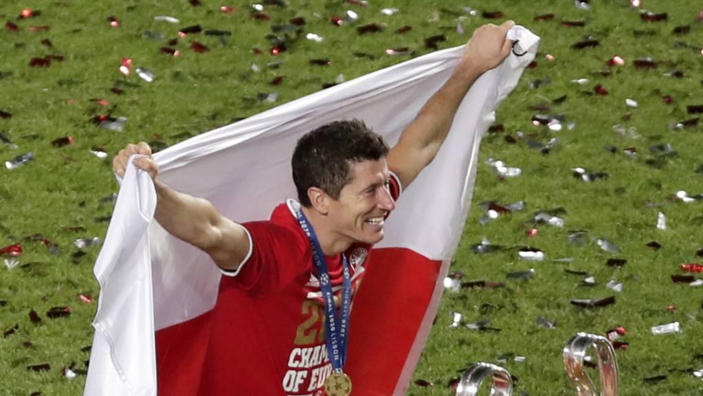 Auf dem Olymp: Mit Bayern München gewann Robert Lewandowski die Champions League und ist nun Favorit auf den Titel des Weltfussballers des Jahres.