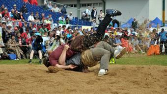 Christoph Bieri gewinnt das Schwingfest in Döttingen