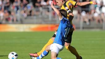Yoric Ravet (Hintergrund) gewinnt mit YB in der 1. Cup-Runde 6:0
