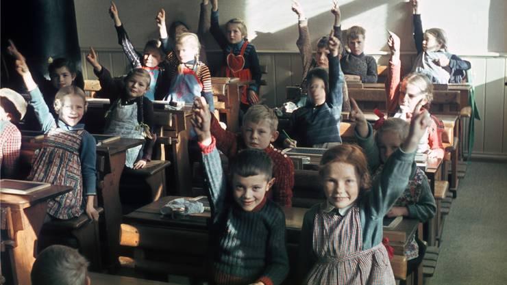 Für Primarschüler wie diese in einer Schule in Liestal 1941 war Französischunterricht lange unvorstellbar. THEODOR STRÜBIN/Museum.BL/Keystone