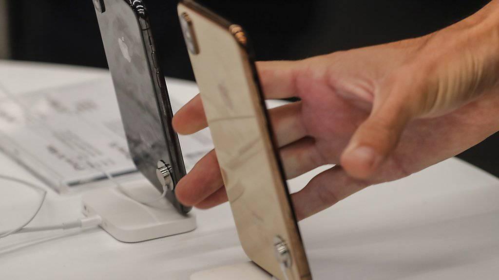 Probleme mit den Touchscreen-Bildschirmen: Apple hat Schwierigkeiten bei einigen Geräten seines Premiummodels iPhone X eingeräumt. (Symbolbild)