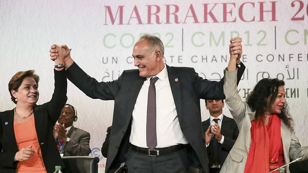 «Am Montag die Arbeit wieder aufnehmen»: UNO-Klimachefin Patricia Espinosa (links) zum Abschluss der Konferenz in Marrakesch.