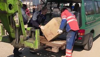 Beim Werkhofareal in Grenchen wurde heute ein 100 kg schwerer Safe aus der Aare gefischt.