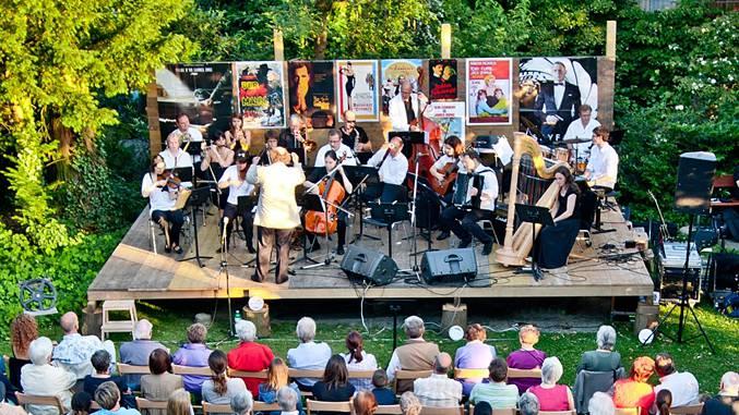 Die Musikschule ist im öffentlichen Leben Bruggs präsent – etwa mit einer Serenade im Park während des Jugendfests. Sandra Ardizzone/Archiv