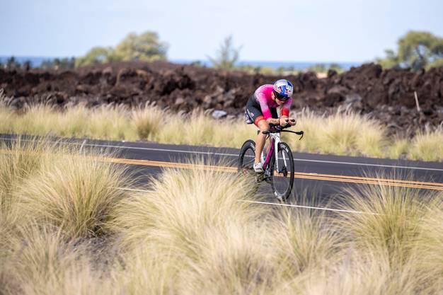Auf dem Rad können die Gegnerinnen Daniela Ryf kaum das Wasser reichen.