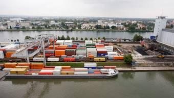 Unter anderem sicherte der Gütertransport auf dem Rhein die Landesversorgung auch während der Coronakrise.