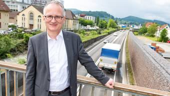 «Blockade im Strassenbau»: ACS-Präsident Andreas Dürr an der A 22 in Liestal.