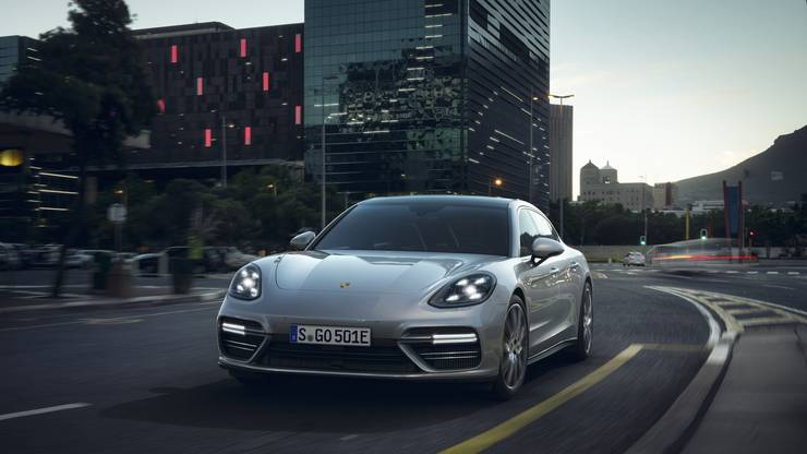 Porsche Pnamera Turbo S E-Hybid Executive
