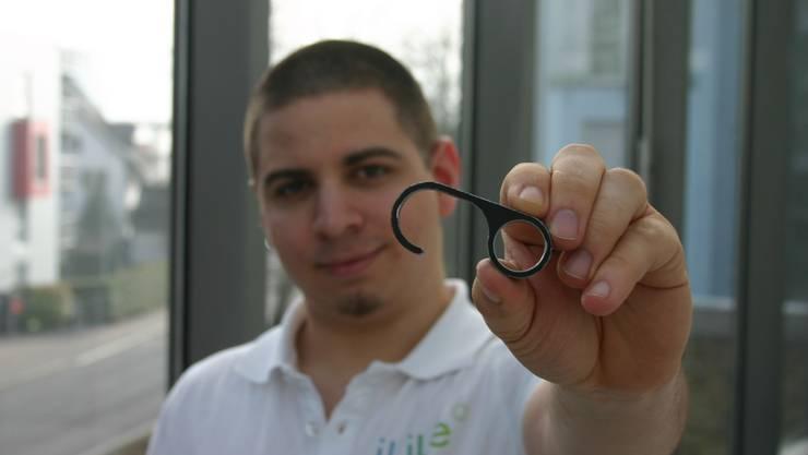 Mit dem «Mobido», einer Erfindung des Geroldswilers Remo Furrer, muss nie wieder eine schmutzige Türklinke angefasst werden.