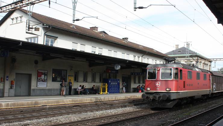 Ein neues oder saniertes Bahnhofgebäude steht weit oben auf der Wunschliste von Lukas Ott. Michel Ecklin