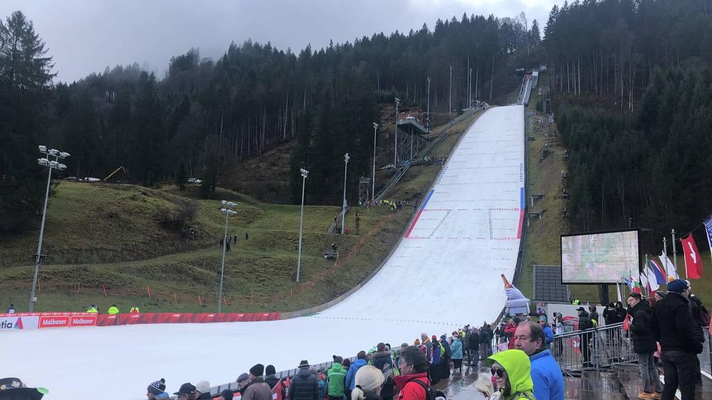 Schweizer Skispringen in Engelberg im Mittelfeld