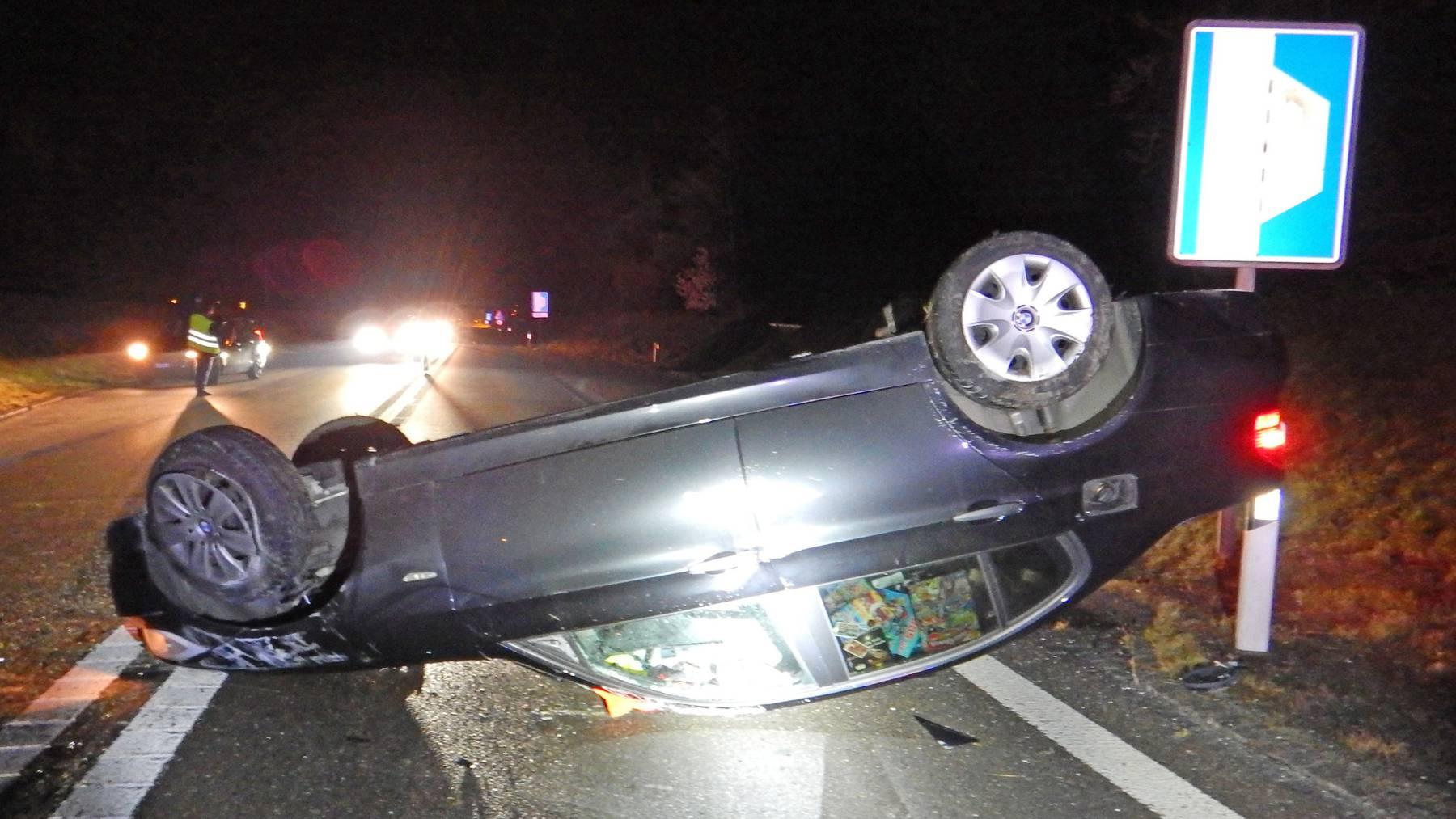 Der Sachschaden am Auto beträgt mehrere tausend Franken.