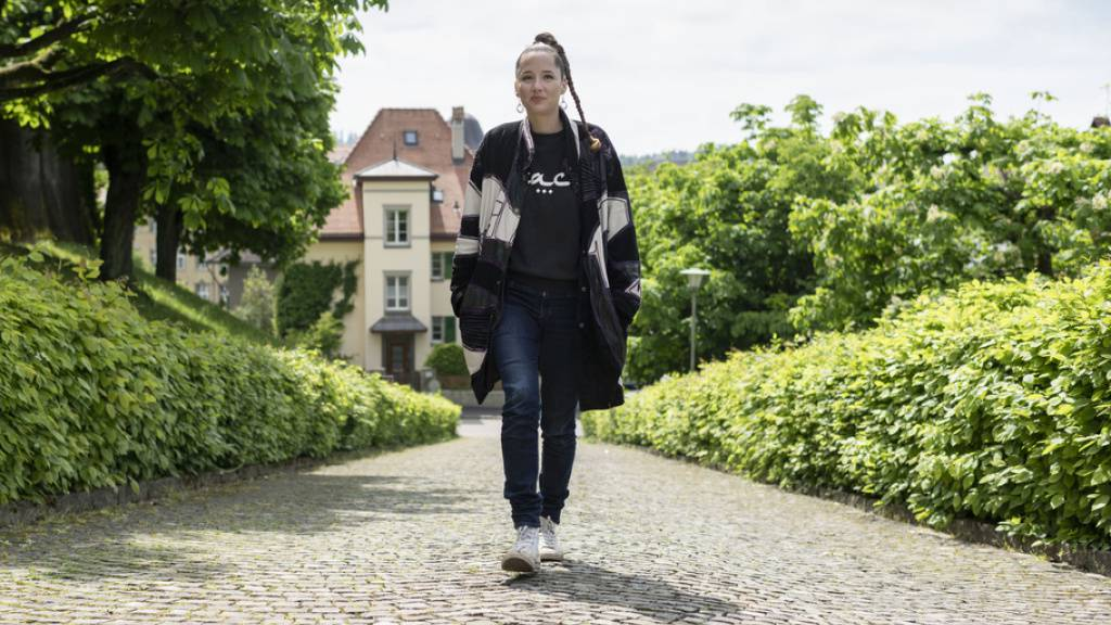 Heute erscheint «PS:», das neue Album von Steff la Cheffe: Auf einem Spaziergang in ihrer Heimatstadt Bern spricht sie über das zentrale Thema in den Songs.