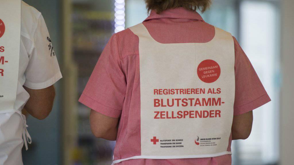 Die Zahl der Personen, die in der Schweiz zu einer Blutstammzellenspende bereit sind, ist im vergangenen Jahr auf knapp 130'000 angewachsen.