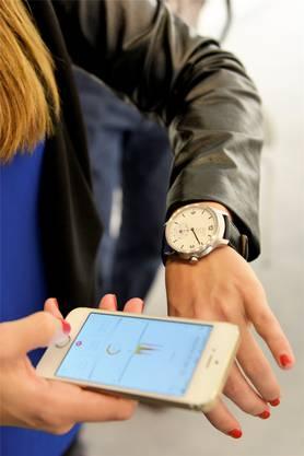 Die Schweizer Mondaine zeigt ihre erste Smartwatch in Basel.