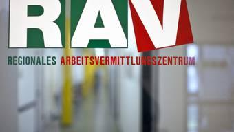 Beim RAV waren 11'008 Personen als Arbeitslos gemeldet. (Symbolbild)