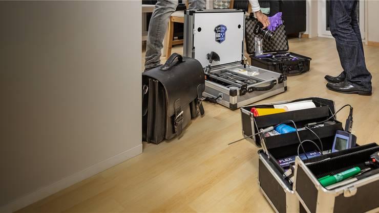 unterwegs mit dem staatsanwalt ausr cken es gibt einen todesfall kanton aargau aargau. Black Bedroom Furniture Sets. Home Design Ideas