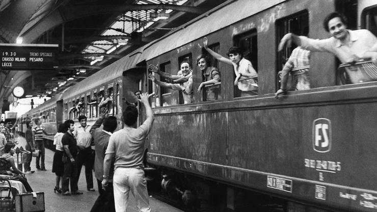 Italienische Migranten 1979 im Hauptbahnhof Zürich. Sie haben den italienischen Expats von heute den Weg in die Schweiz geebnet.