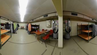 Asylunterkunft Schönenbuch: In der Zivilschutzanlage unter dem Sportplatz leben acht Asylbewerber.