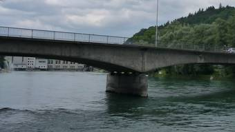 Für Einwohnerrat Michel Meyer sei die Kamera auf der Aarauer Kettenbrücke eine reine «Einnahmenkorrektur».