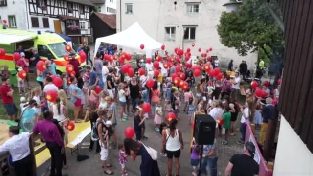 Ballonwettbewerb, Schwingen-Schnupperkurs und Feuwehrübung: Das war das Kellerfest in Oetwil