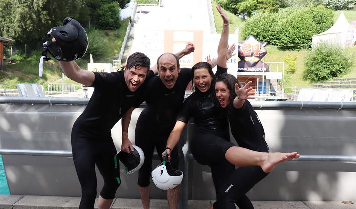 Team Radio 24 versucht sich auf der Jumpin-Schanze.