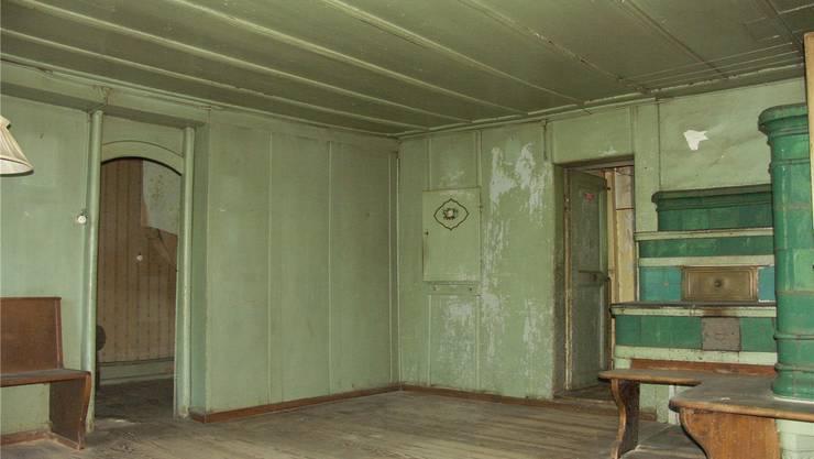 Kein Museum: In der restaurierten Wohnstube sollen nach rund 20 Jahren bald wieder Menschen wohnen. Hier eine Vorher-Aufnahme, ...