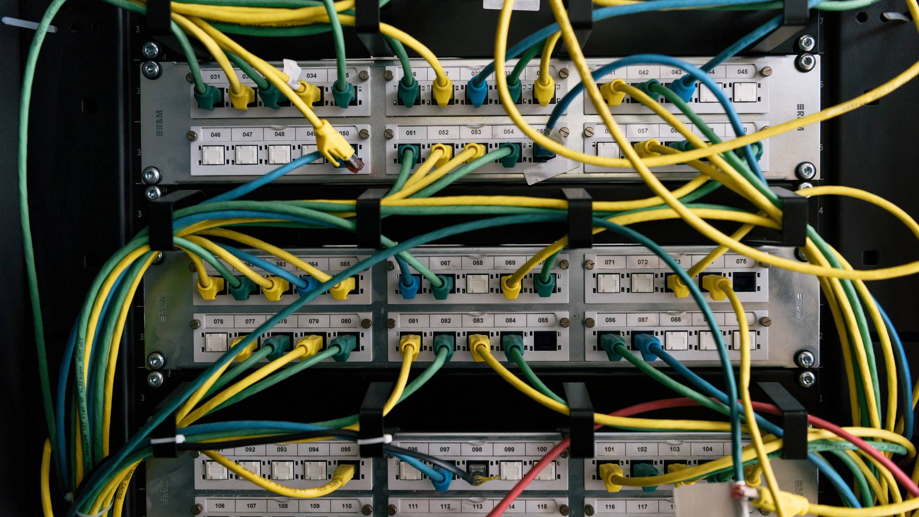 Bundesverwaltung und Armee müssen ihre Informatiksysteme erneuern. (Symbolbild)
