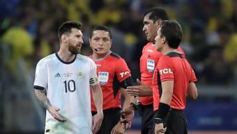 Messi und seine Teamkollegen waren unzufrieden mit der Leistung der ecuadorianischen Schiedsrichter