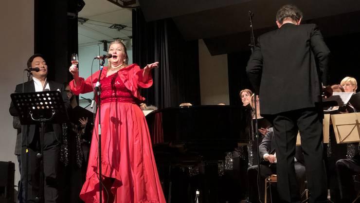 Die Musikerinnen und Sänger begeisterten das Publikum.
