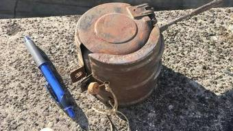 Diese Schlachtfliegerbombe aus dem Zweiten Weltkrieg führte am Mittwoch zu einem Grosseinsatz in Buchs. Die Bombe lagerte zuvor auf dem Stützpunkt der Kantonspolizei in Aarau.